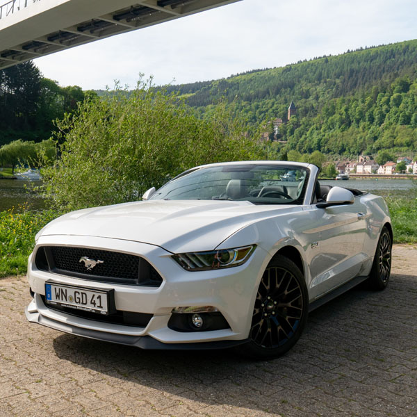 ford mustang gt cabrio 1 tag sa so bei stuttgart. Black Bedroom Furniture Sets. Home Design Ideas